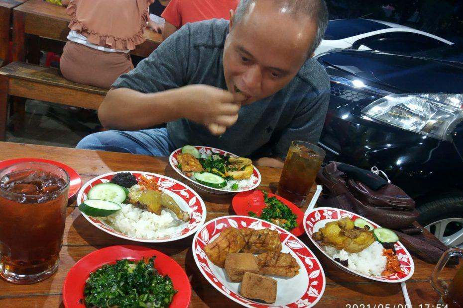 makan di bumbu ireng jalan s parman purwokerto (3)